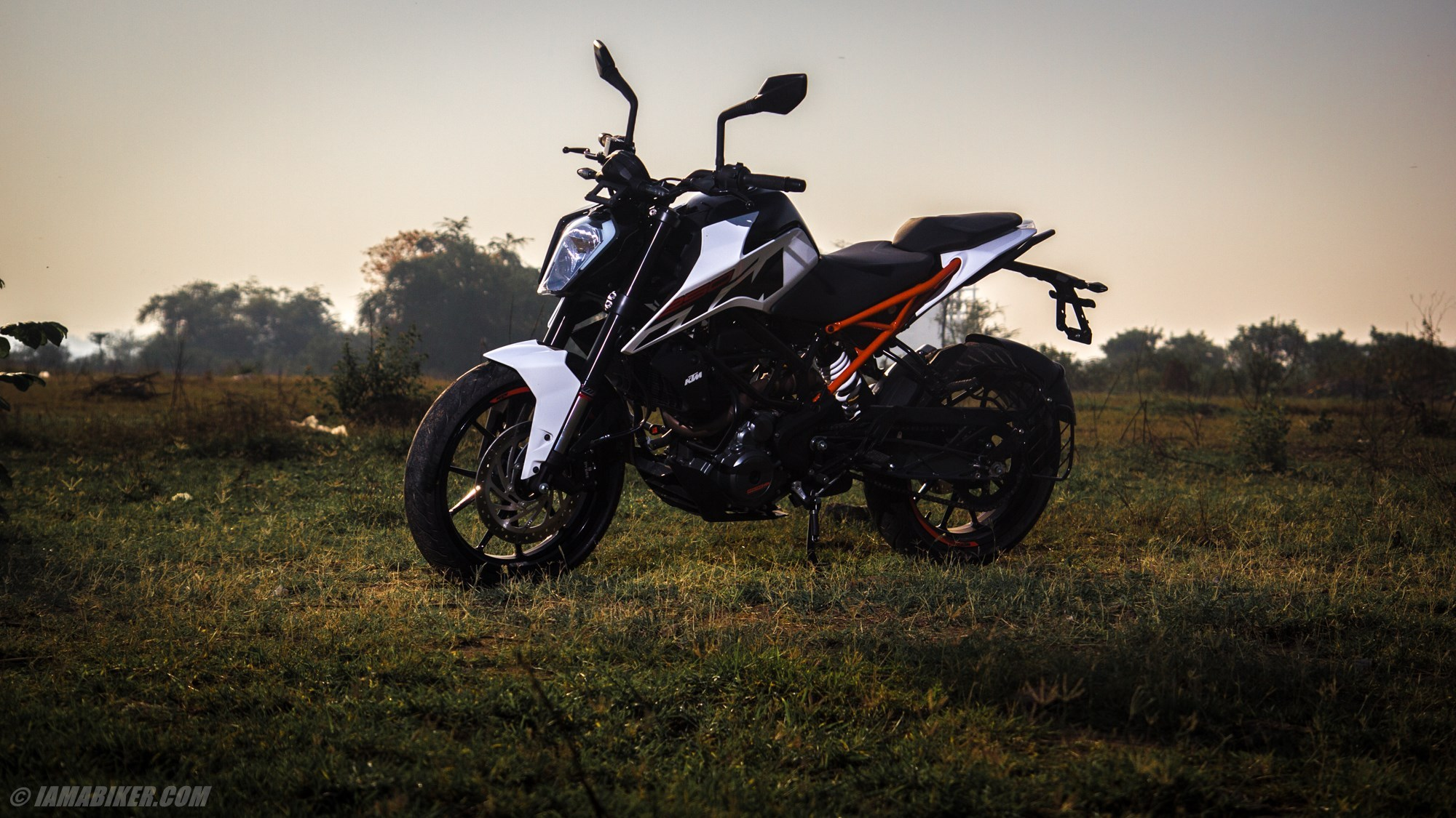 KTM Duke 250 HD wallpapers IAMABIKER 2000x1125