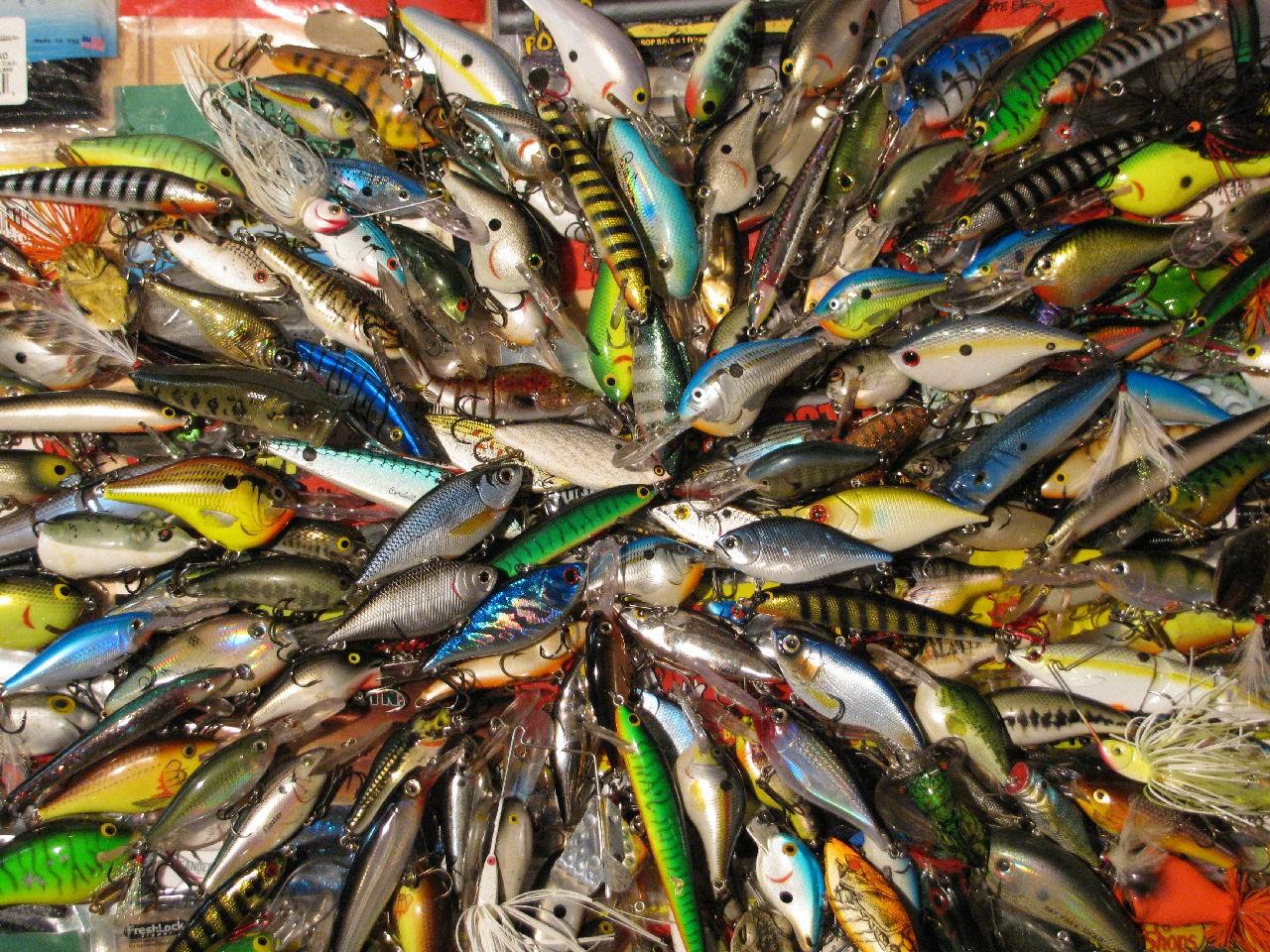 Fish Fishing Wallpaper 1280x960 Fish Fishing Vivid Colors Lure 1280x960