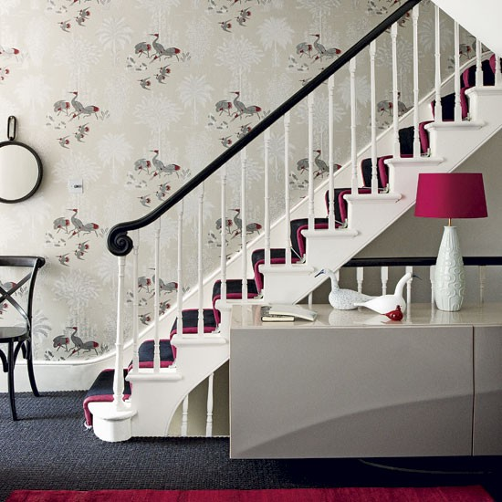 Classic entrance hall with decorative wallpaper Hallway 550x550