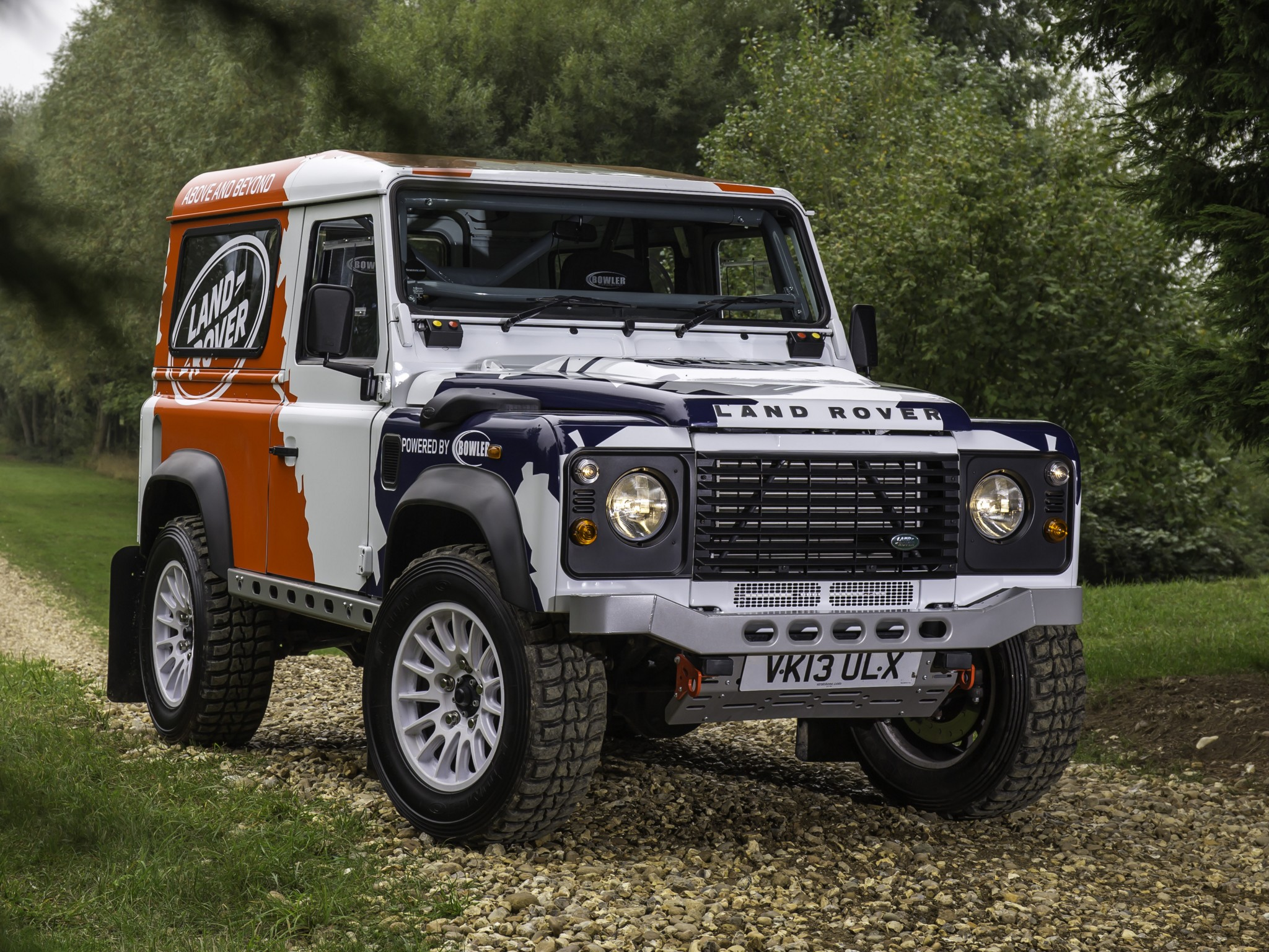 Land Rover Defender Challenge Truck suv 4x4 f wallpaper background 2048x1536