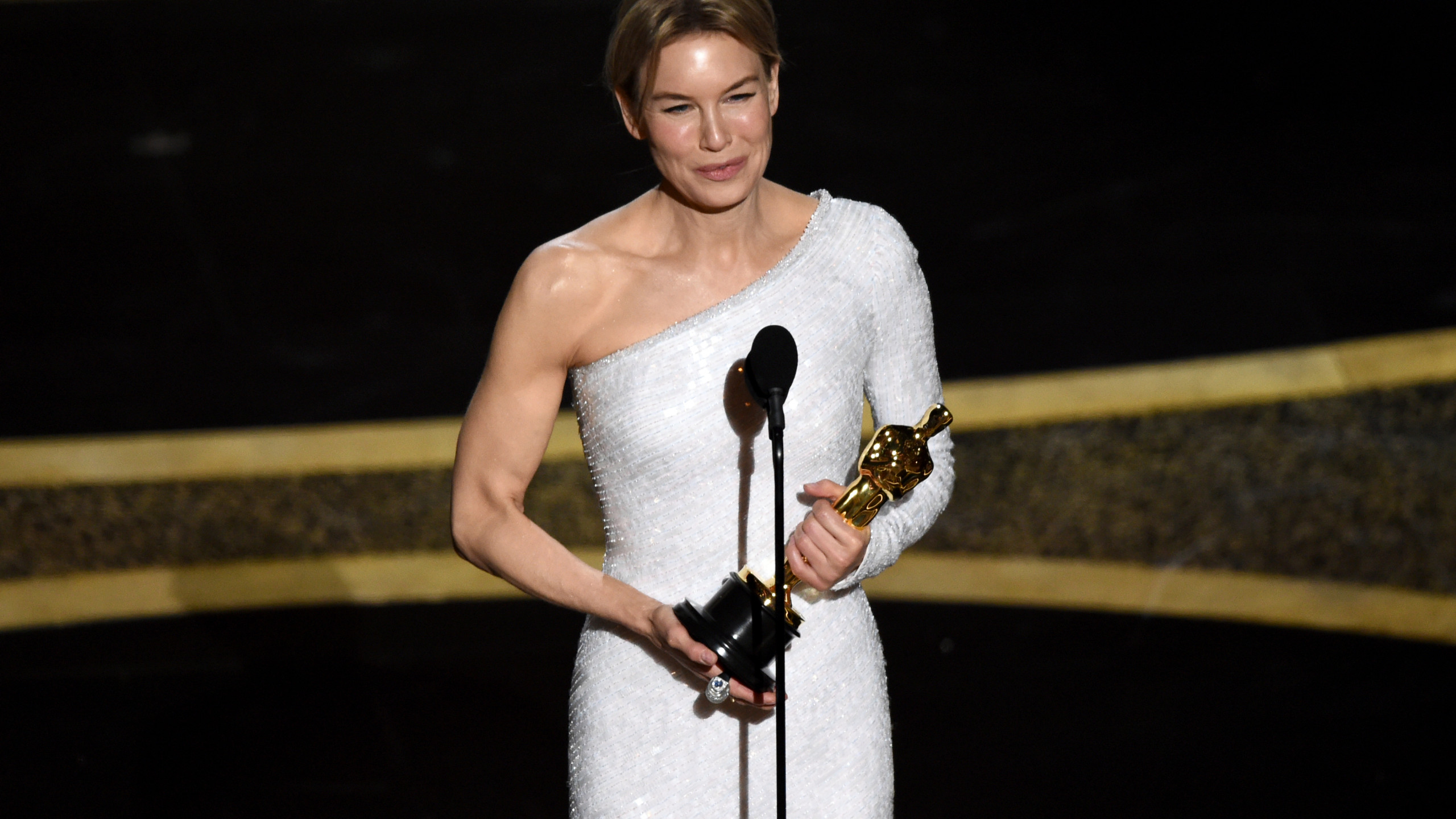 Zellweger completes comeback with best actress Oscar win WVNS 2560x1440