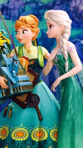 Frozen Fever Phone Wallpaper   Elsa the Snow Queen Photo 39388111 281x500