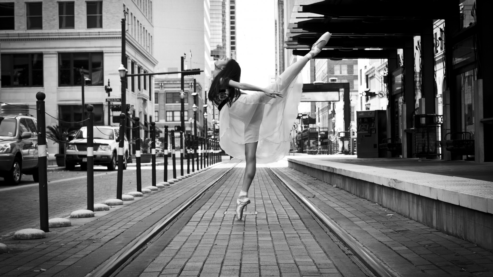 Wallpaper city dancer street Ballet dancer on a city street 1920x1080