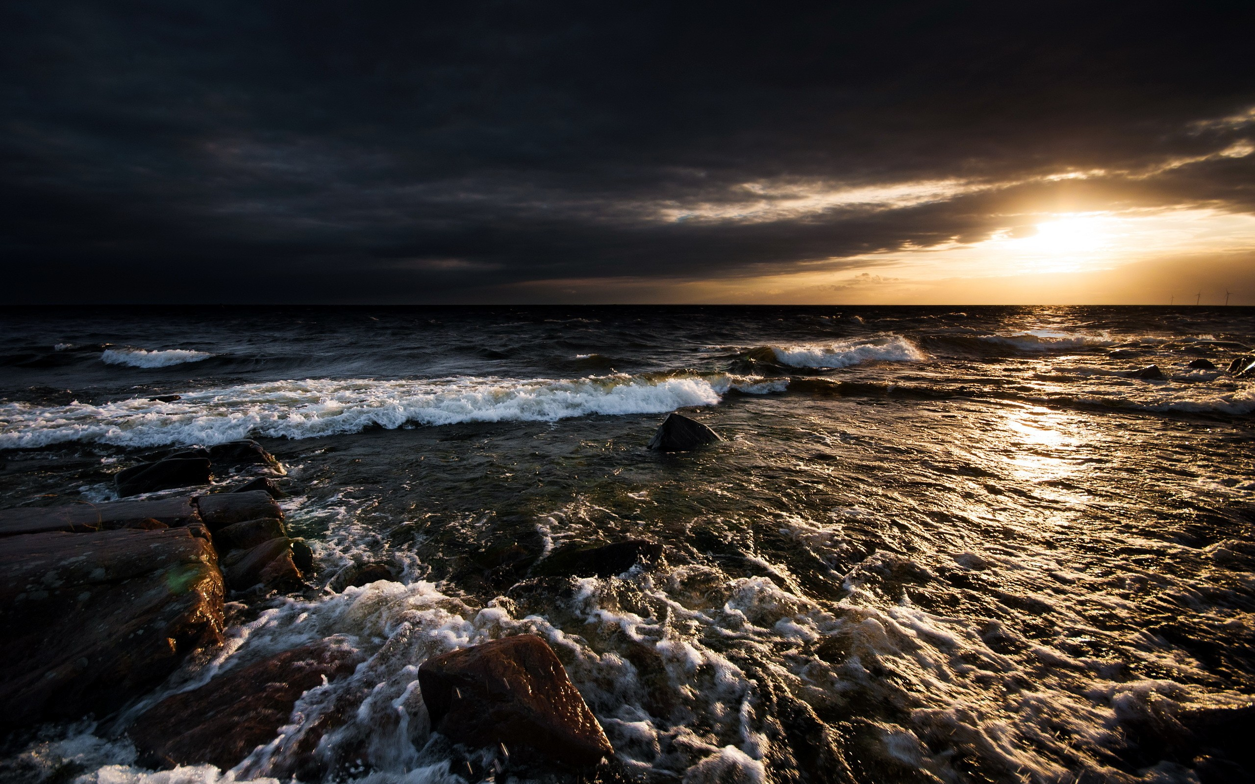 Daily Wallpaper: Stormy Waterscape | I Like To Waste My Time