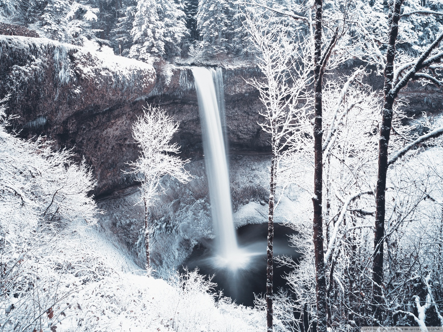 Waterfall in winter forest wallpapers and images   wallpapers 1440x1080