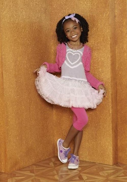 Fotos y Vdeo Jessie la nueva serie de Disney Channel 500x713