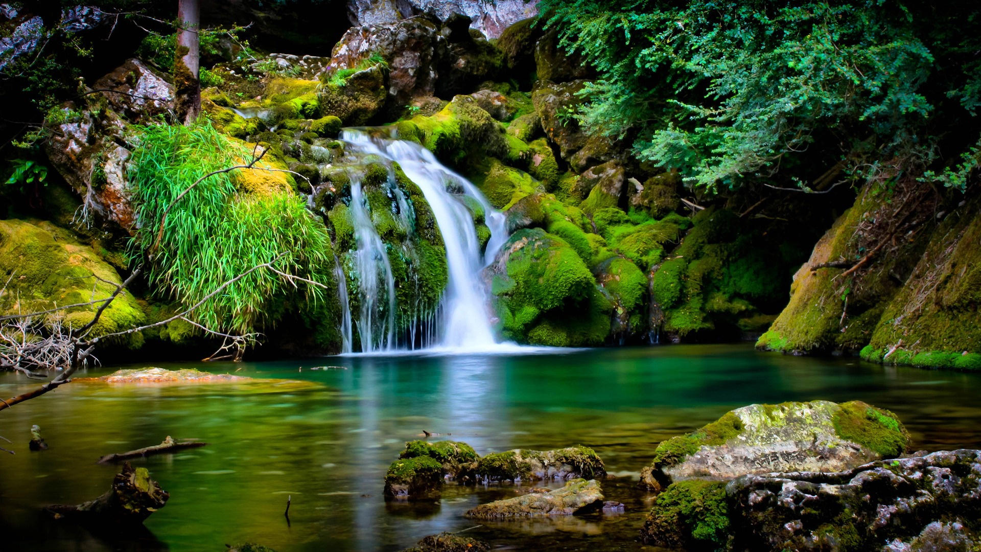 Green Nature Waterfall 4460 Wallpaper Hd 1920x1080