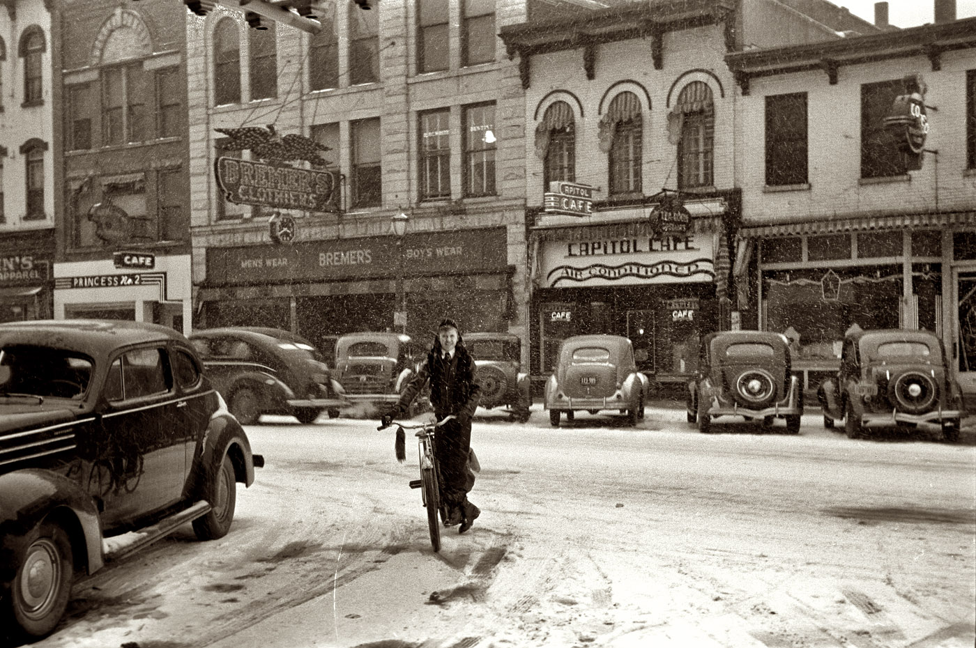 1940 february the main street in iowa city HD Wallpaper   City Town 1400x930
