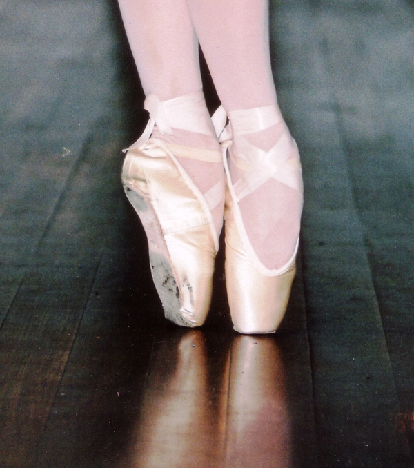 Ballet Shoes Wallpaper Desktop 600x678