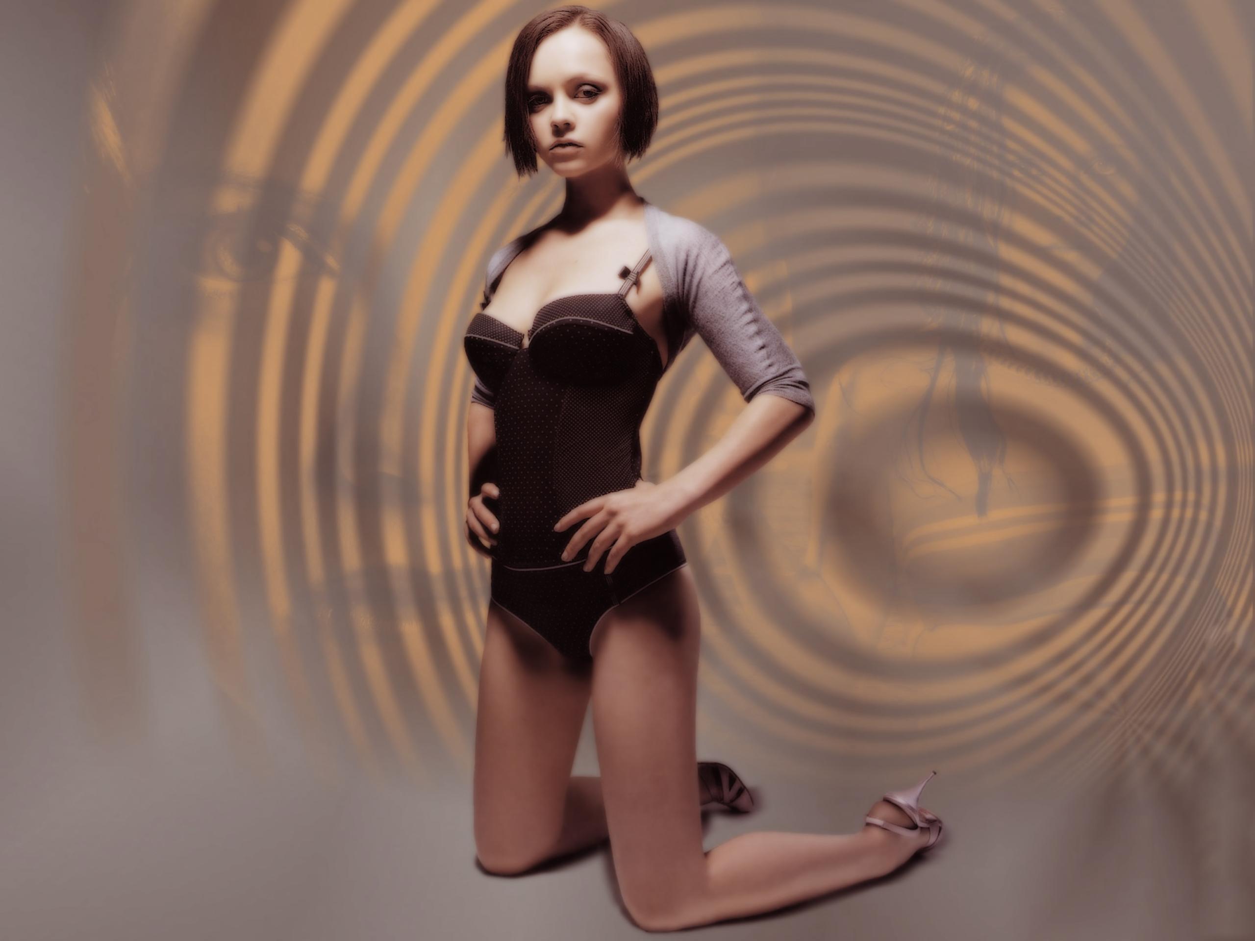 Christina Ricci Wallpapers Desktop Wallpapers 2560x1920