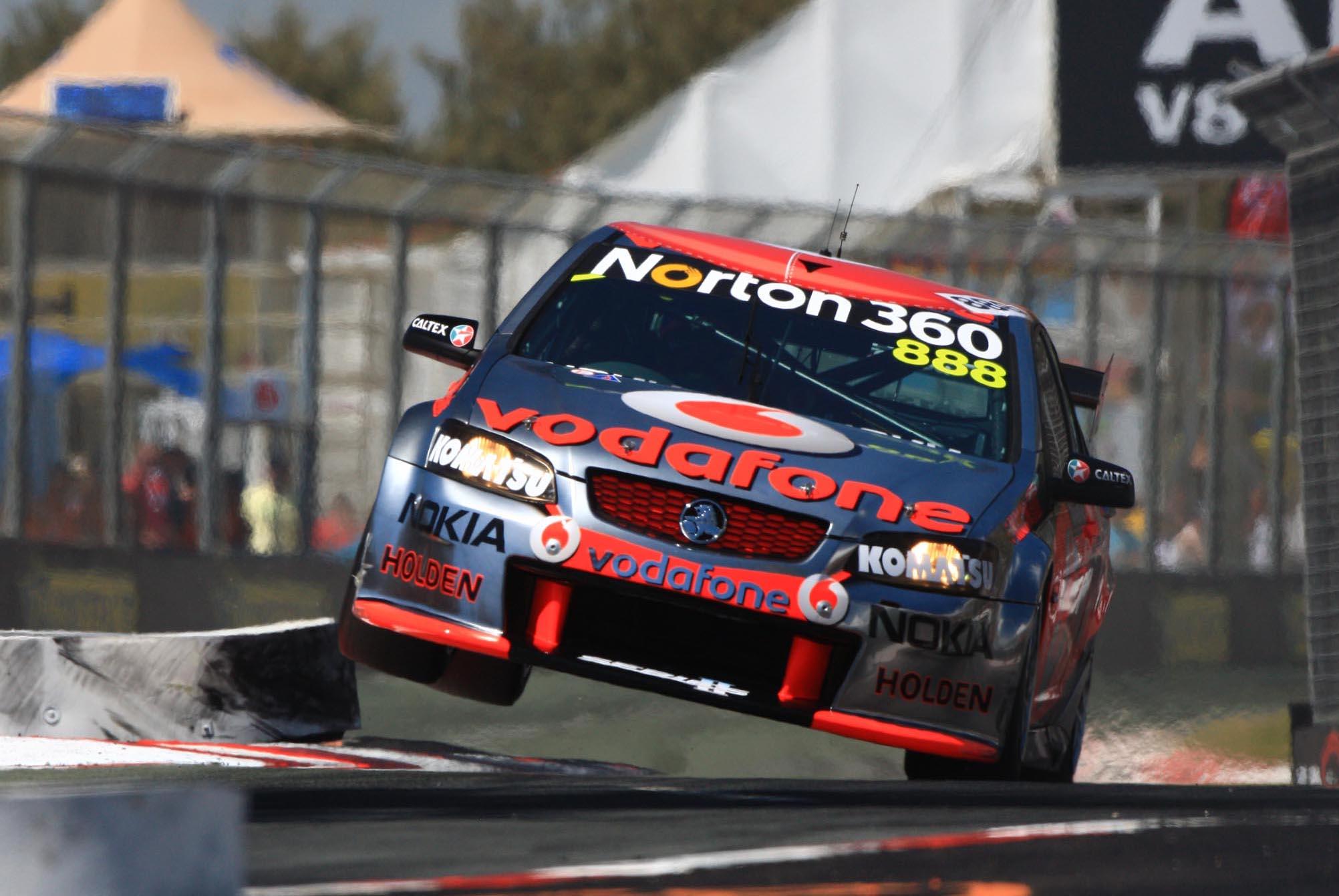 Aussie V8 Supercars race racing v 8 jt wallpaper 2004x1341
