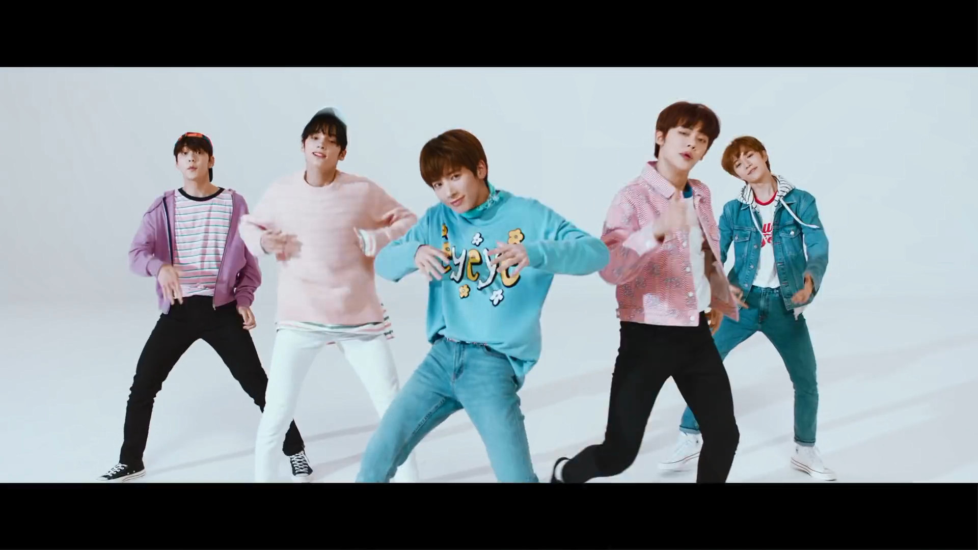 TXT   Crown whos who   K Pop Database dbkpopcom 1920x1080