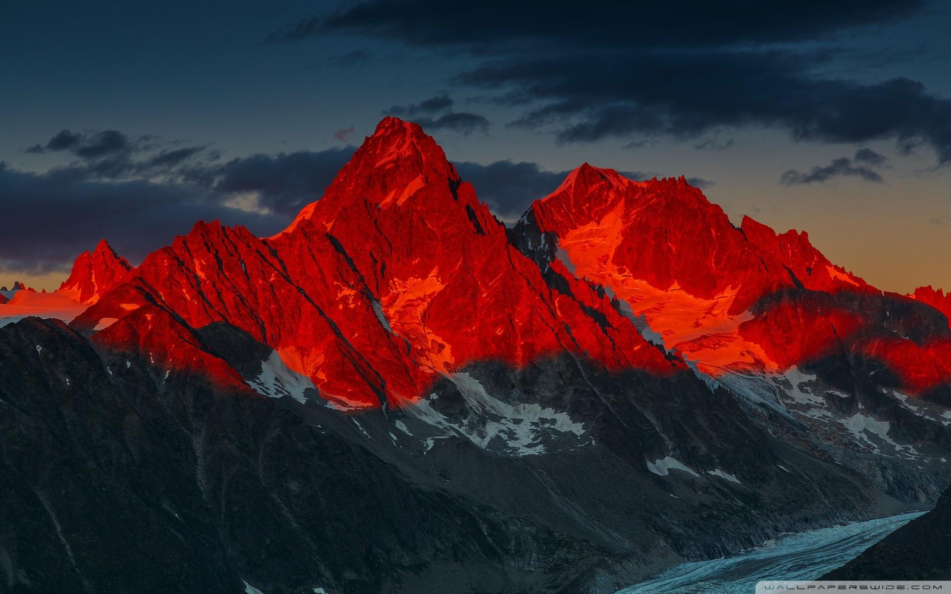 Alpenglow over the Argentiere Glacier France 4K HD Desktop 1920x1200