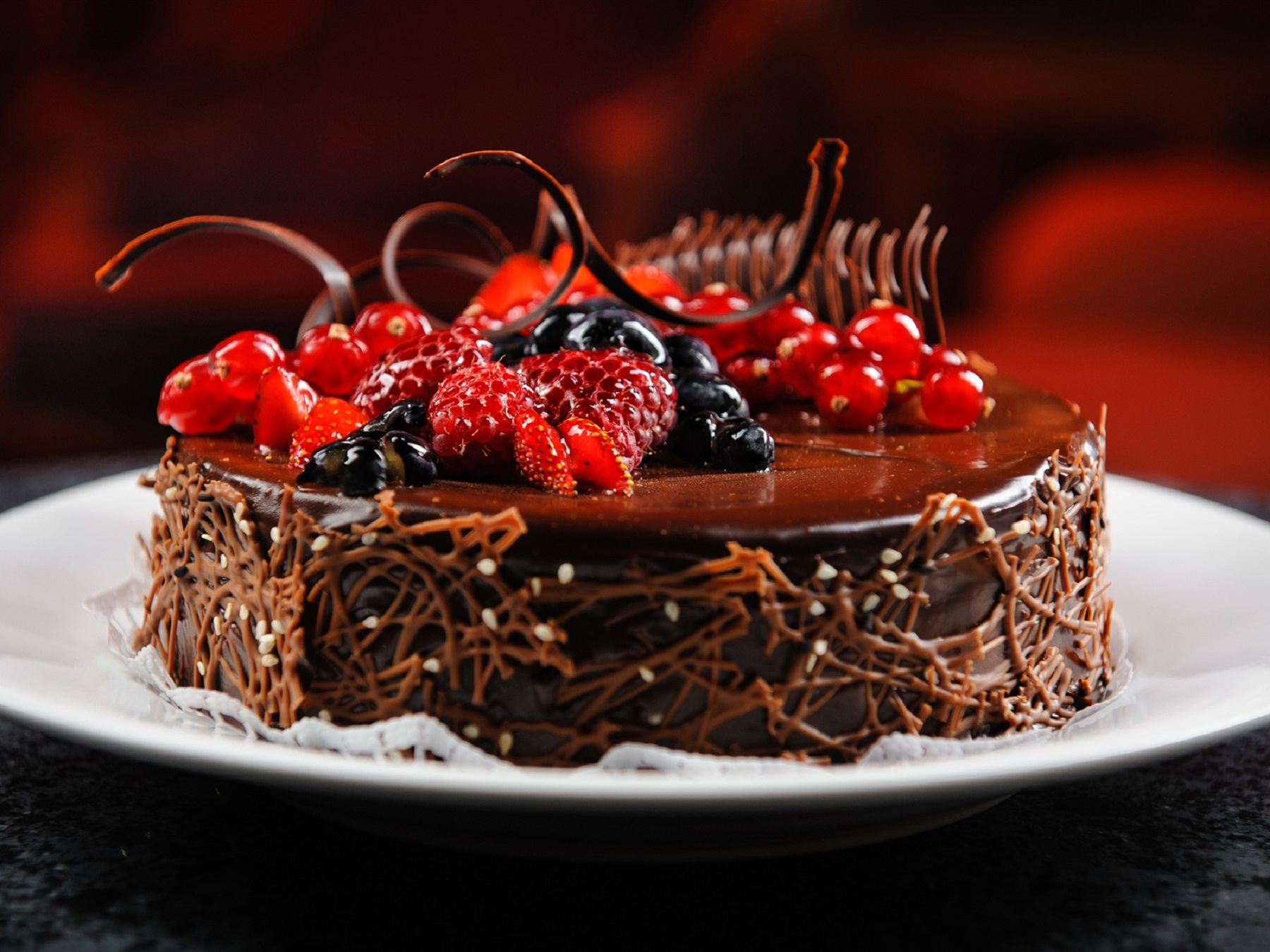 birthday delicious cake with chocolate chips HD Wallpapers Rocks 1800x1350