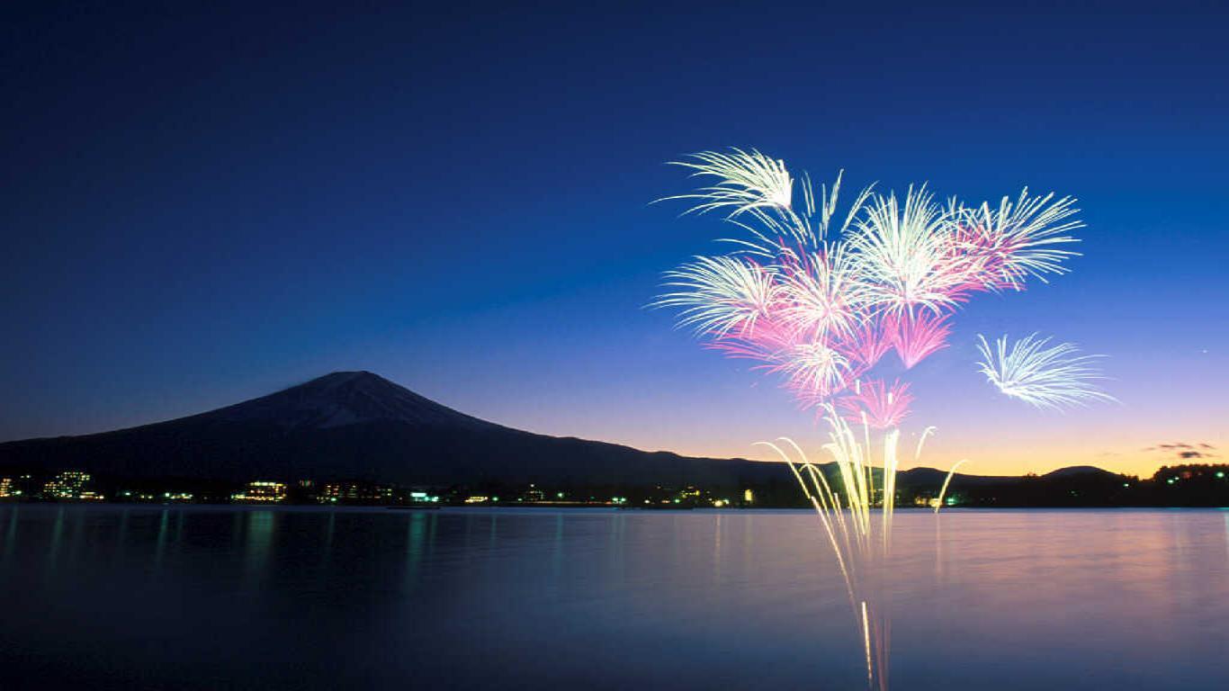fireworks desktop wallpaper download fireworks wallpaper in 1366x768