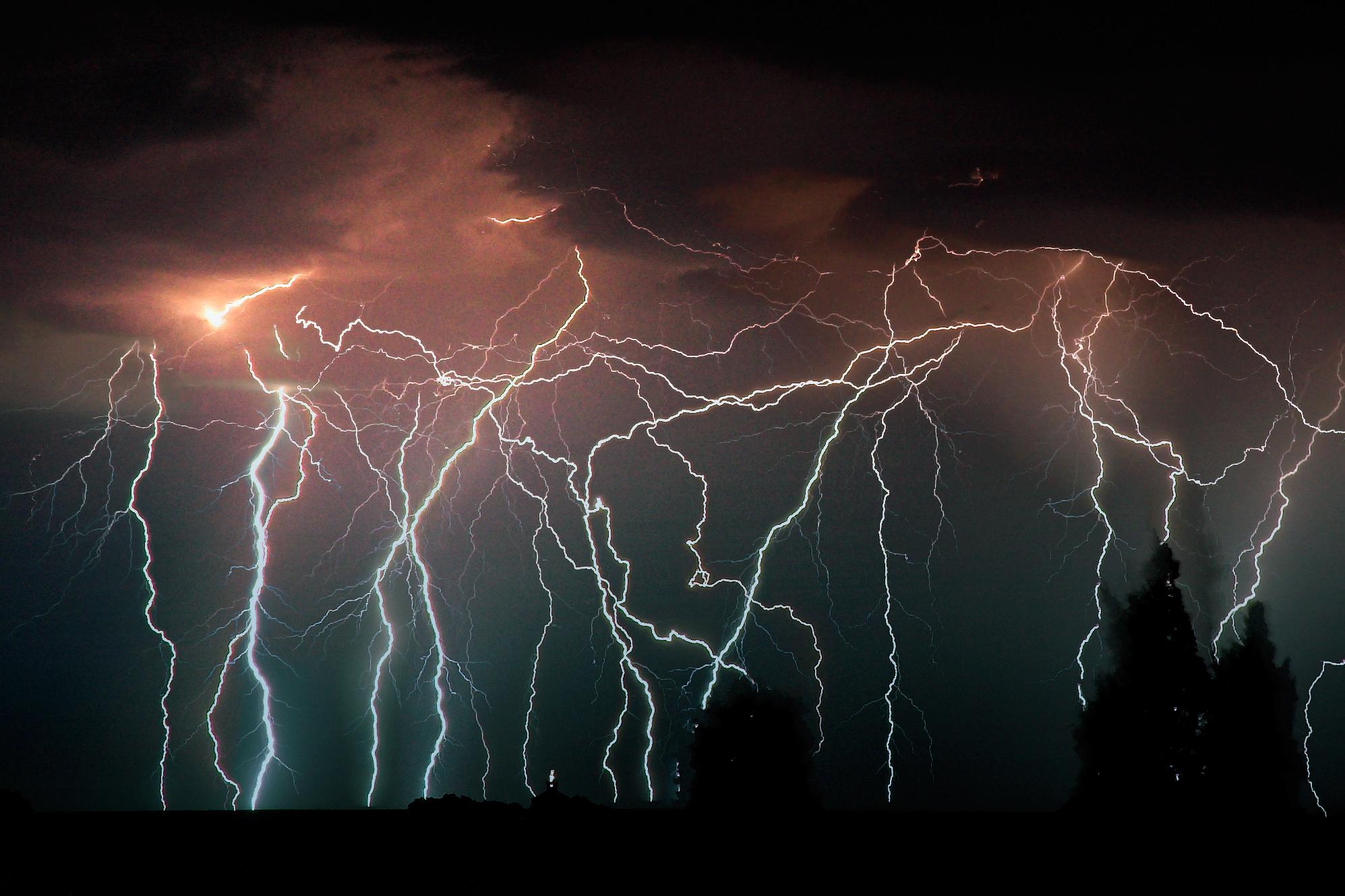 lightning hd wallpaper color palette tags storm weather lightning 1995x1330