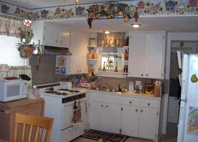 wallpaper borders for kitchen with the wallpaper border 640x460