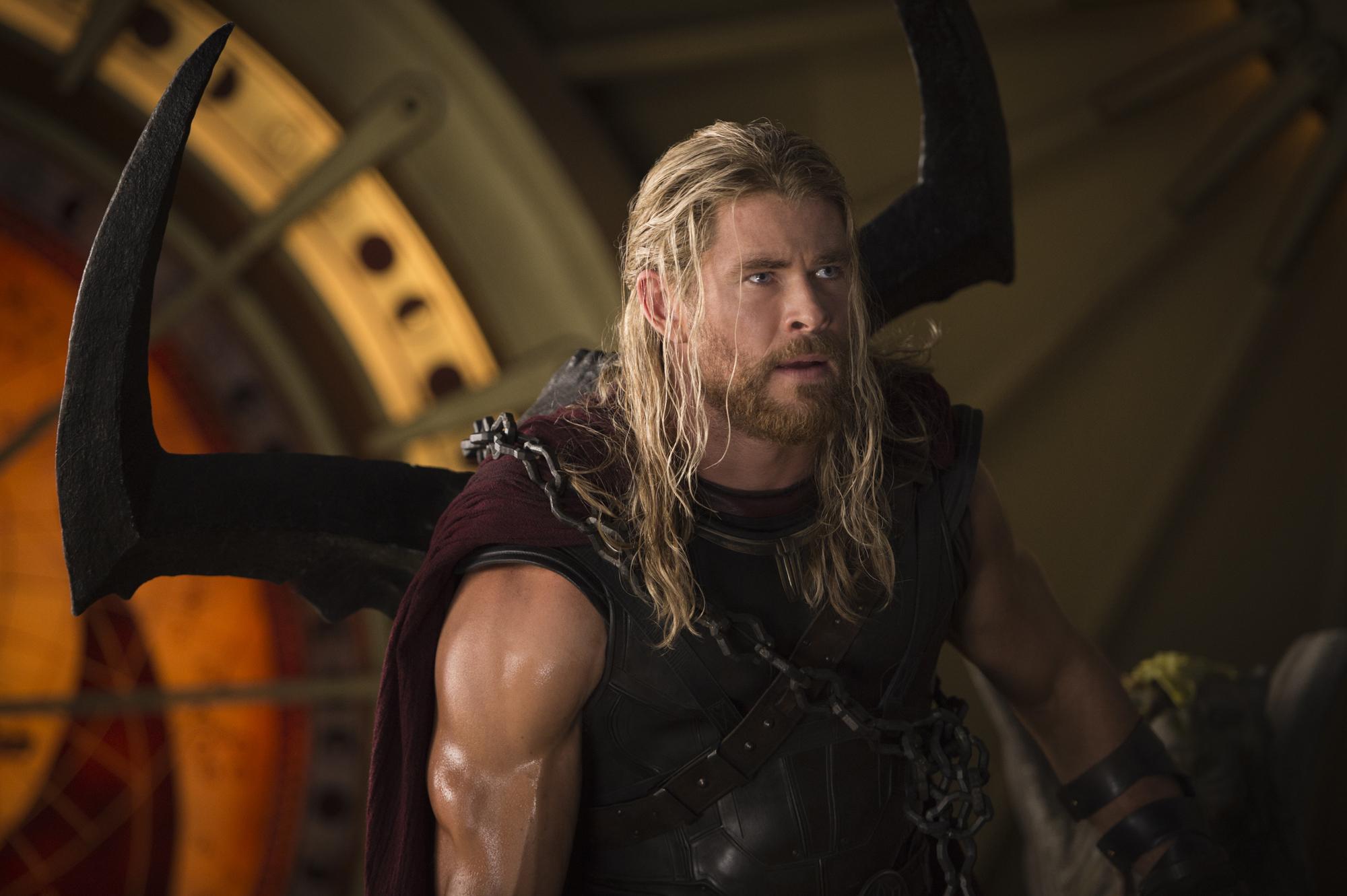Chris Hemsworth on Thor Ragnarok MCU Connections and 2000x1331