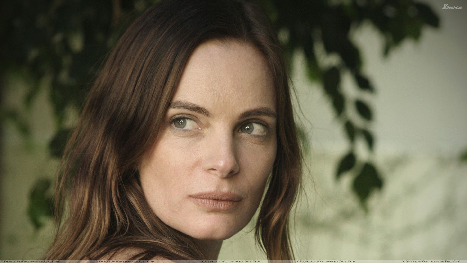 Gabrielle Anwar Wallpapers Photos Images in HD 1920x1080