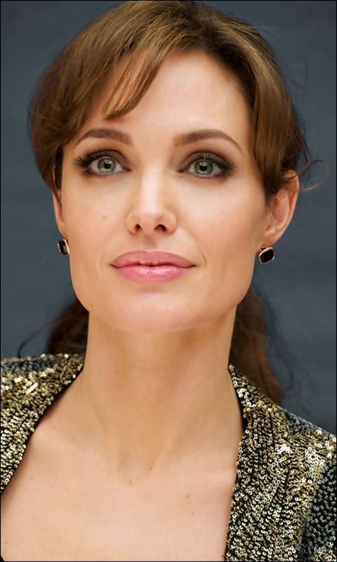 Actress Surabhi HD Wallpaper | HD Wallpapers | Download ...