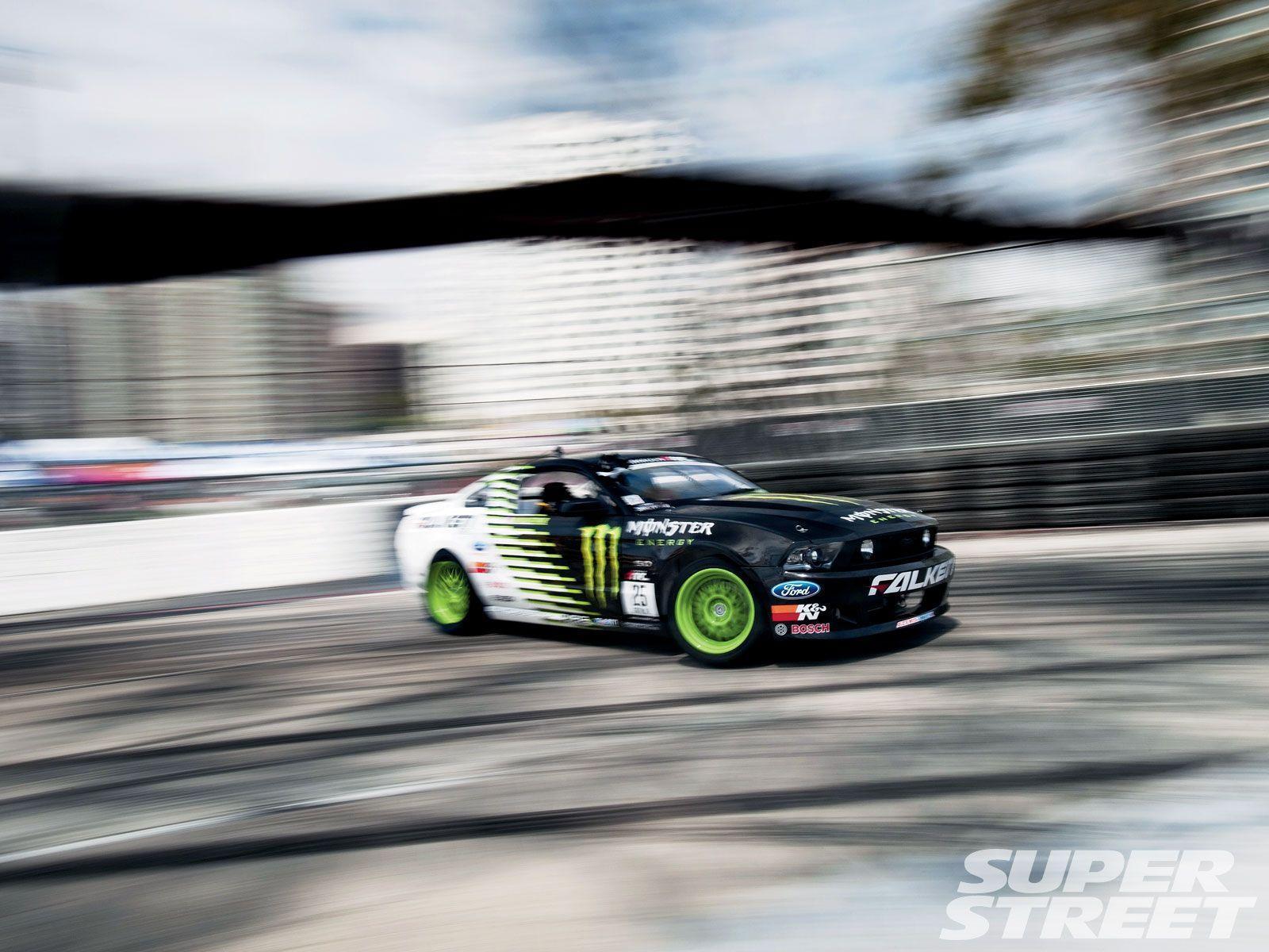 Drifting Cars Wallpapers 1600x1200