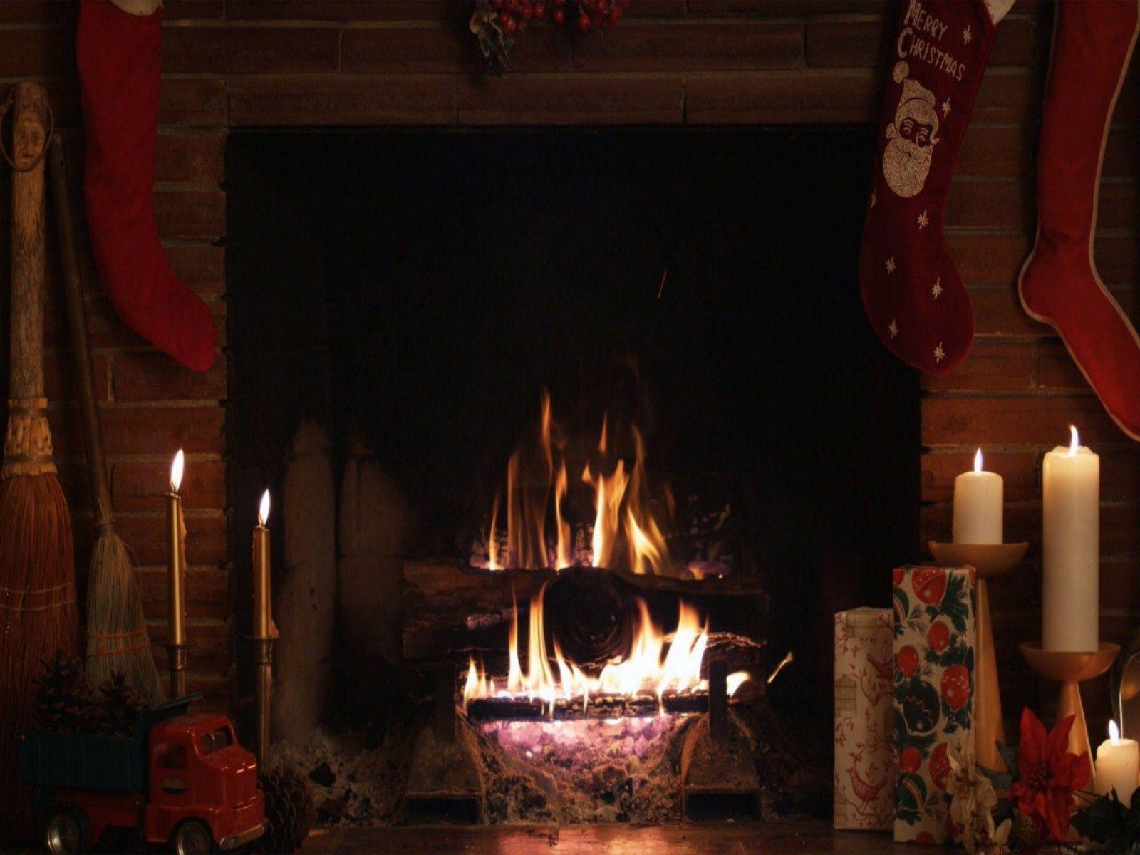 Christmas Fireplace Wallpapers 1600x1200
