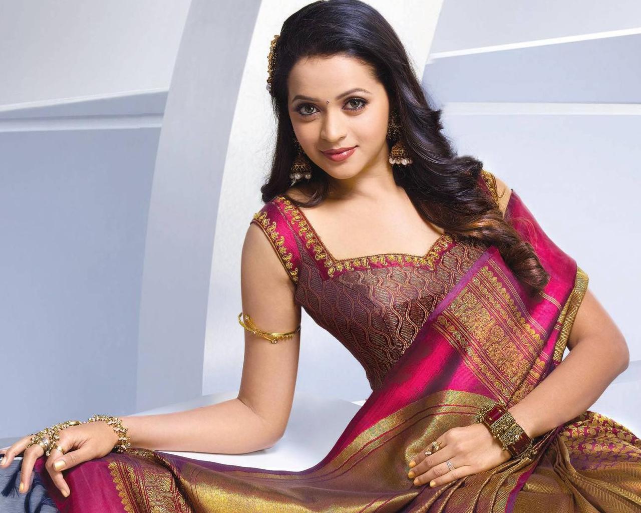 Beautiful Actress Bhavana Wallpapers HD Wallpapers 1280x1024
