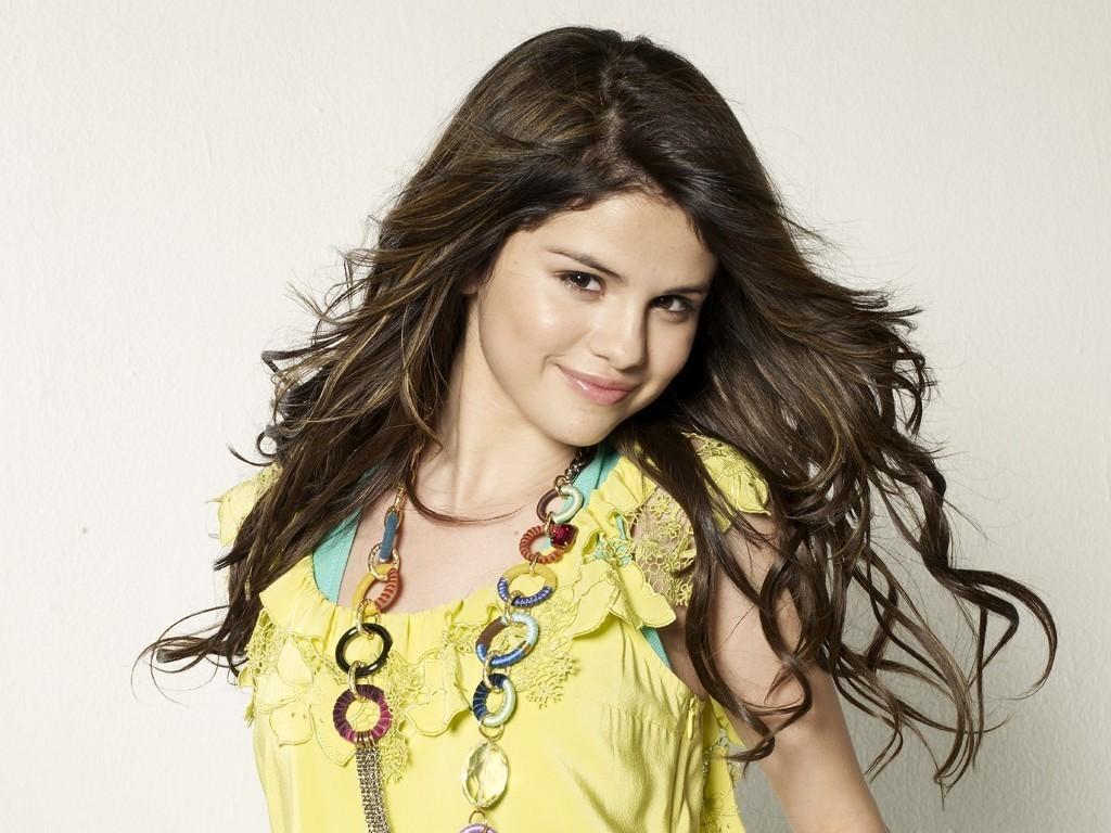 Selena Wallpaper   Selena Gomez Wallpaper 18601227 1024x768