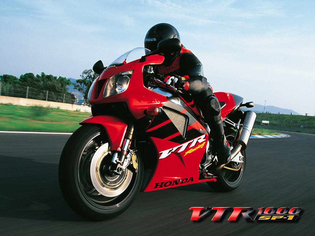 Honda VTR Bike is well known racing bike and in picture bike with 1024x768