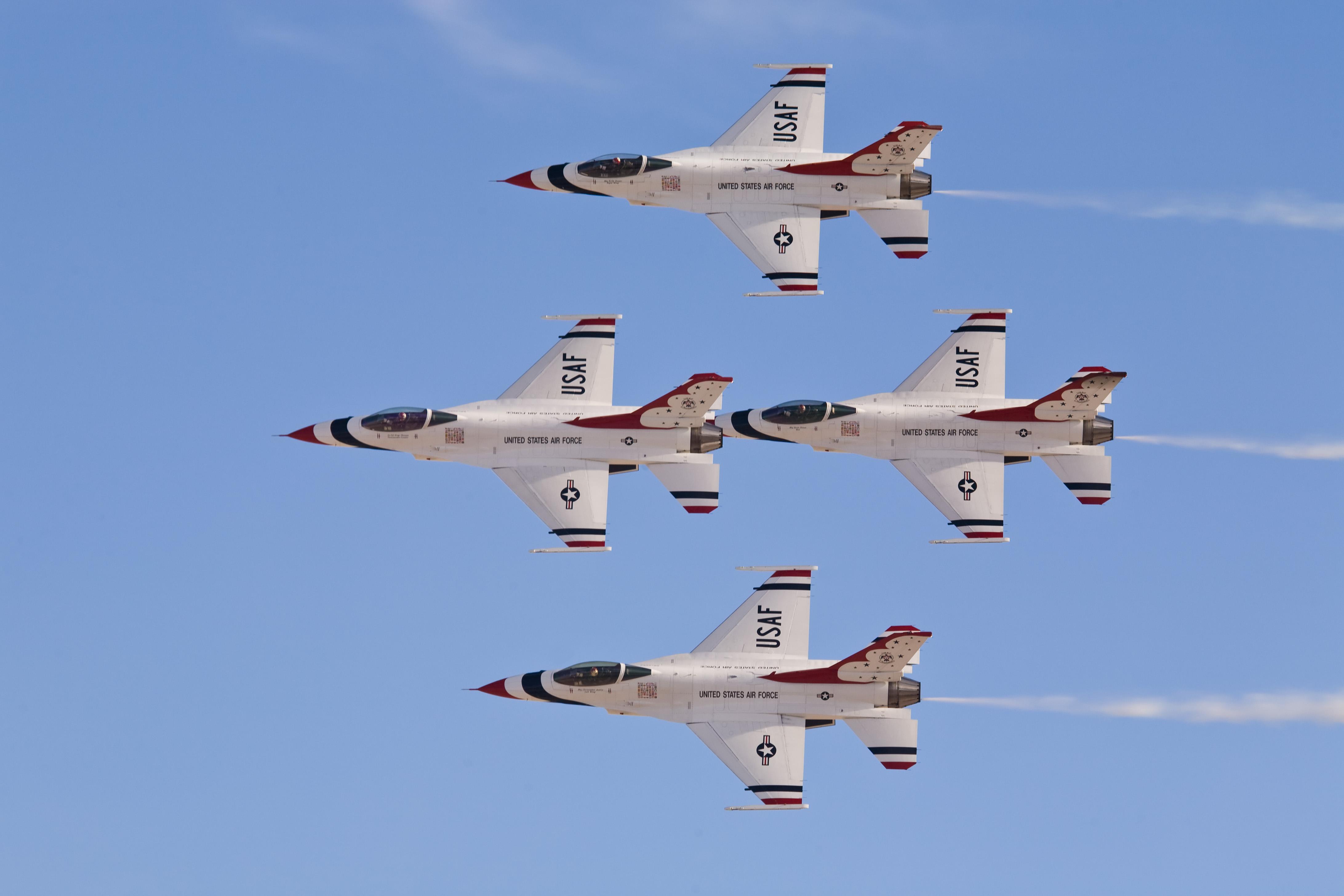 us air force usaf thunderbirds perform at aviation HD Wallpaper of 4368x2912