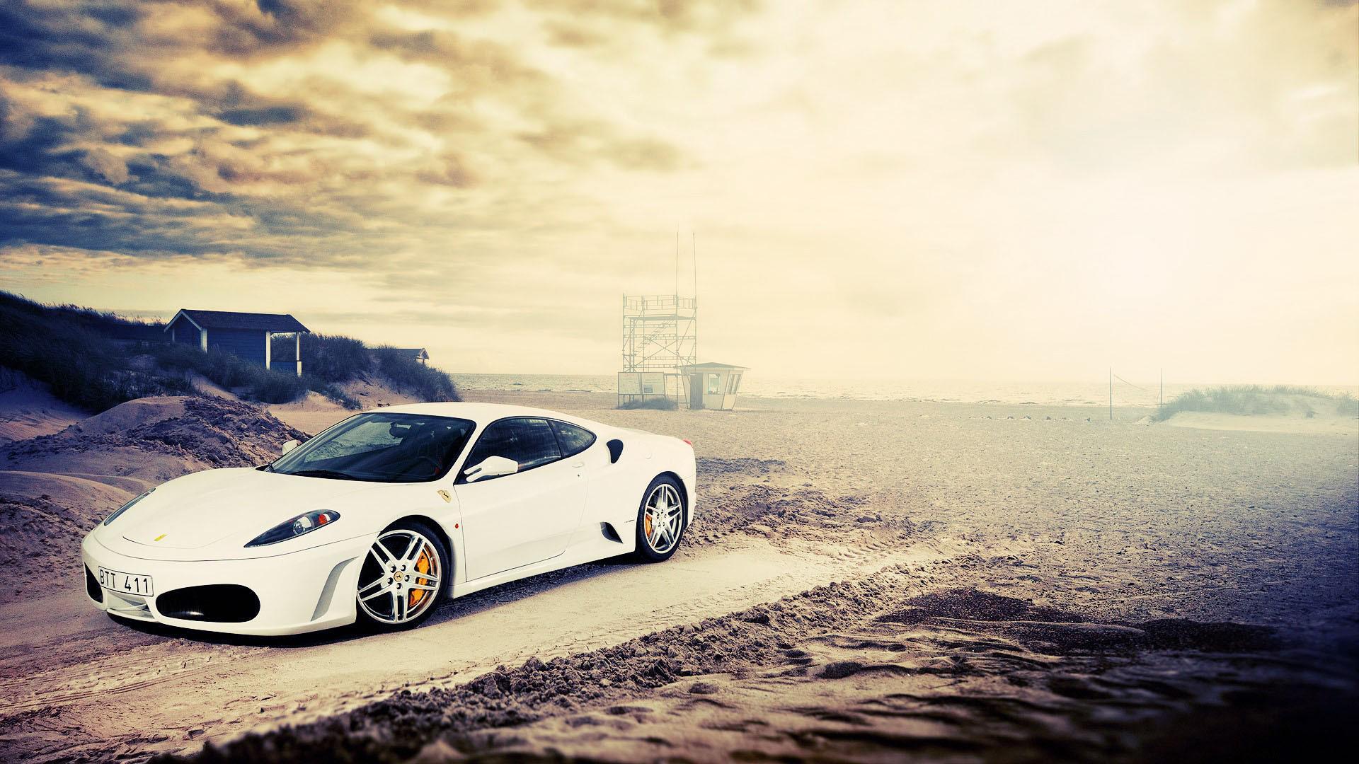 Белый авто на каменистой местности  № 214561 бесплатно