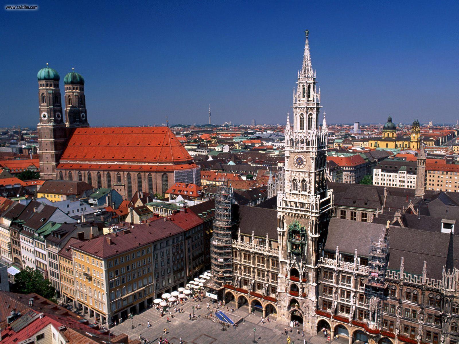 The New Town Hall and Marienplatz Munich Germany desktop wallpa 1600x1200