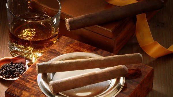 Wallpaper Cigar Box Whiskey Glass   Wallpapers HD Download 600x338