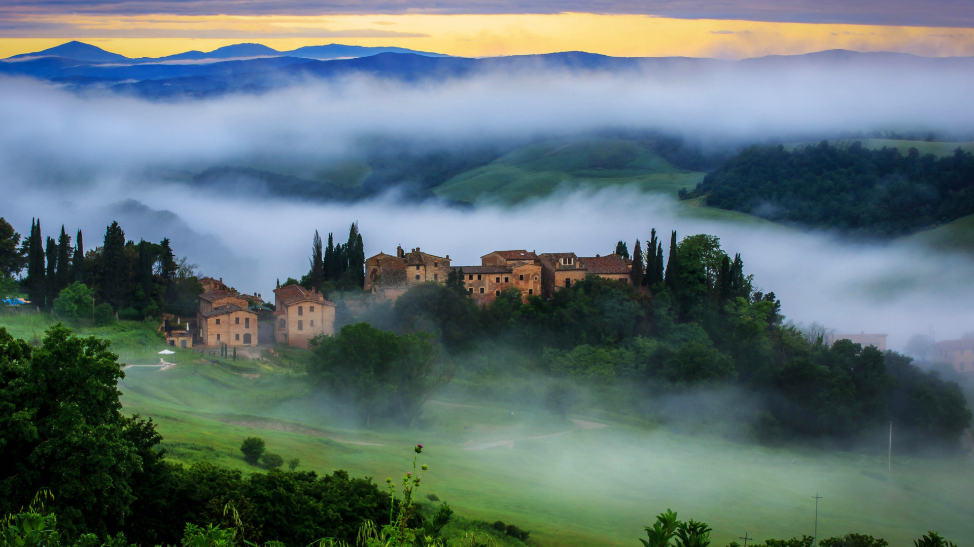 free 1920X1080 Tuscany Italy 1920x1080 wallpaper screensaver preview 1920x1080