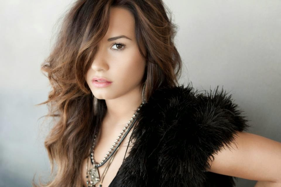 Demi Lovato HD Desktop Wallpapers and Images Wallpapersjunkcom HD 960x639