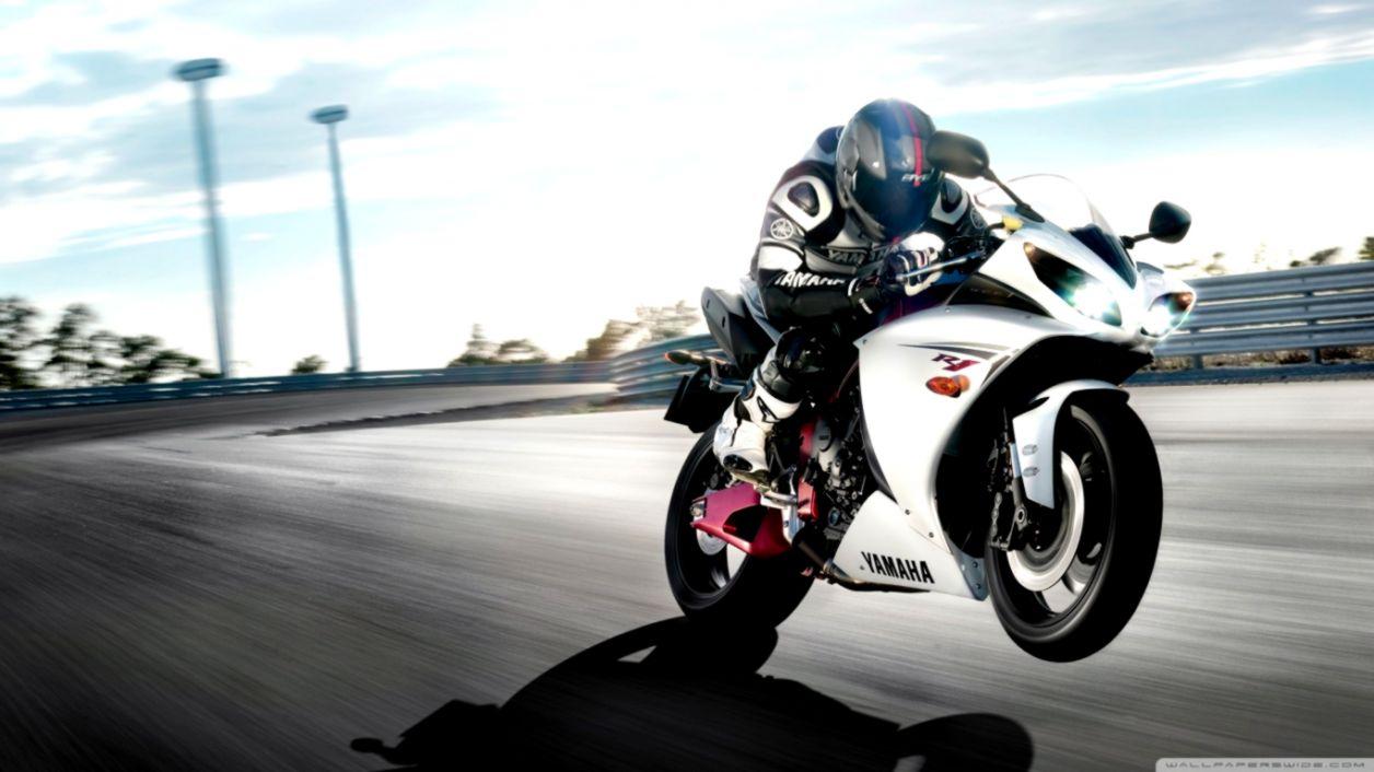 Yamaha R1 Sports Bike Hd Wallpaper Ucox Wallpapers 1256x706