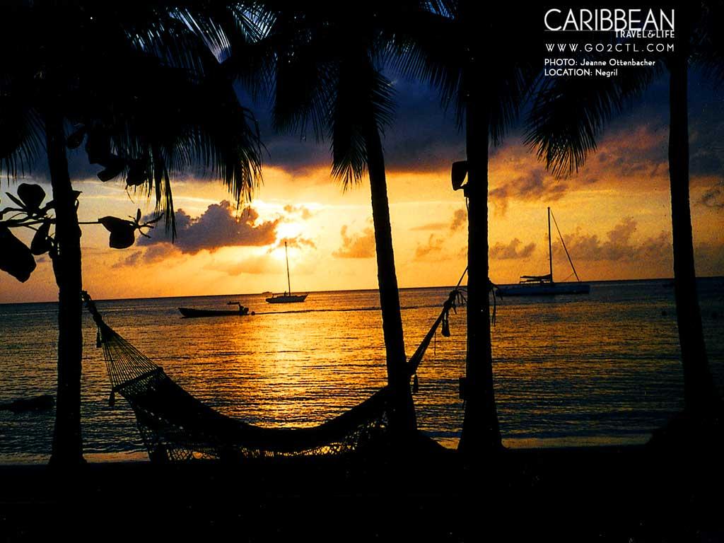 Beautiful Night View of Negril Jamaica Beach   PhotosJunction 1024x768