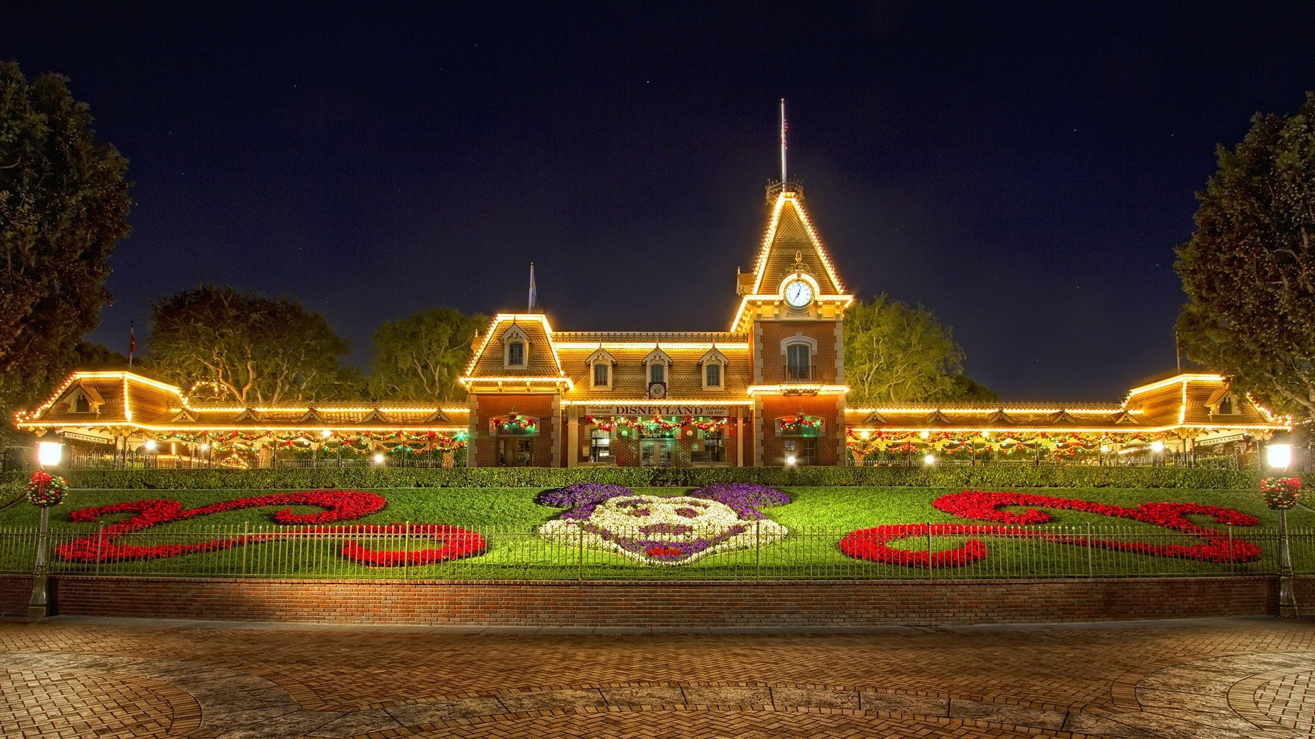 1920x1080 Christmas at Disneyland desktop PC and Mac wallpaper 1920x1080