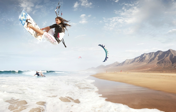 Shore Kitesurfing Windsurf Kitesurf Sea 1920x1226 Wallpaper Pictures 600x383