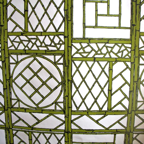mod wallpaper Hollywood Regency with Chinese lattice bamboo trellis 570x570