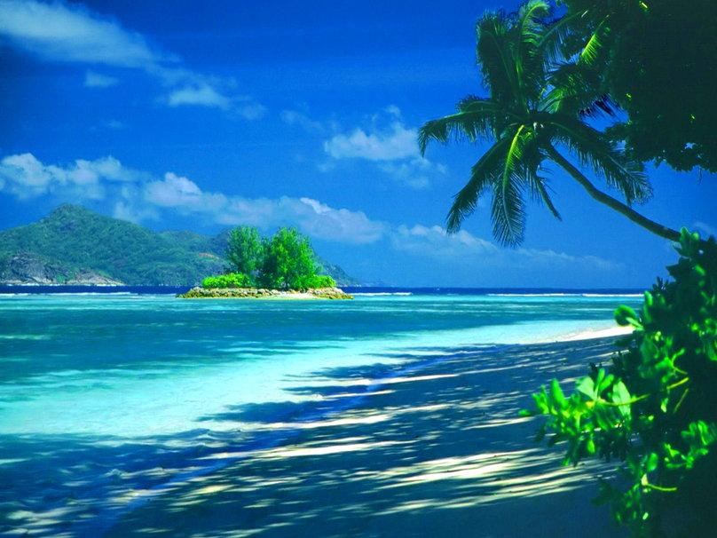 Tropical Island Desktop Wallpaper 808x606
