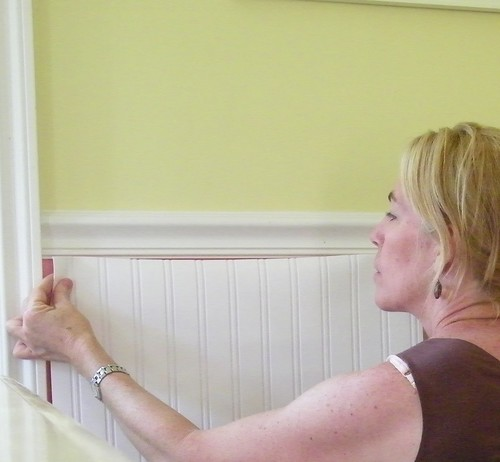 Whoa wainscoting wallpaper Ooh do you think thats cheapereasier 500x462