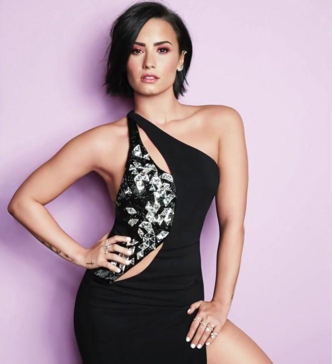 Demi Lovato 662x726