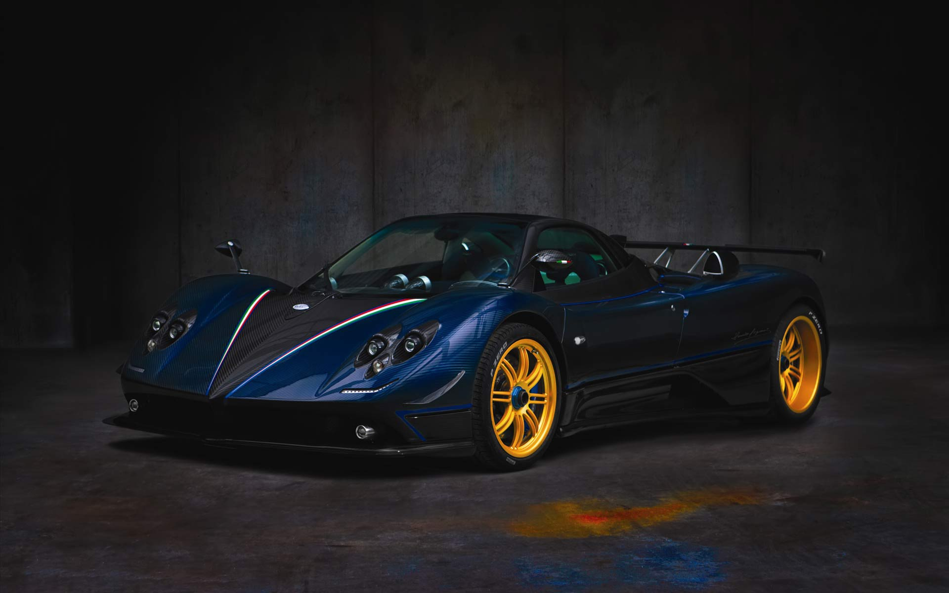 Hd Supercars Wallpapers Blue Pagani Zonda Supercar Hd Wallpaper Cool 1920x1200