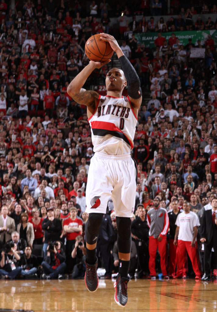 Damian Lillard Game Winner Wallpaper - WallpaperSafari