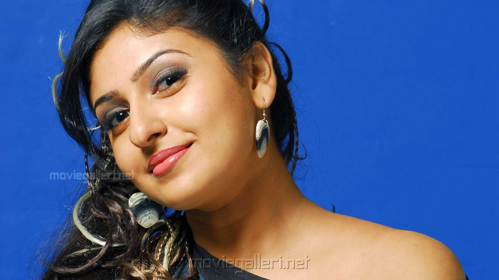 Tamil Actress HD Wallpapers - WallpaperSafari