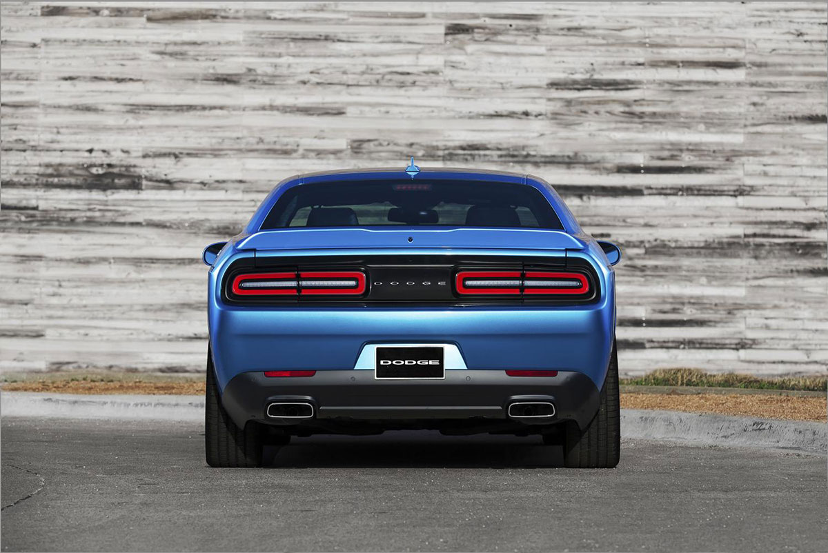 2015 Dodge Challenger Pictures and Specs 1200x802