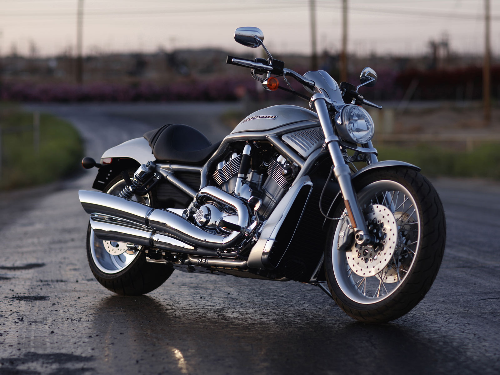 Harley davidson vrscf bike HD wallpaper Download 1080p 1600x1200