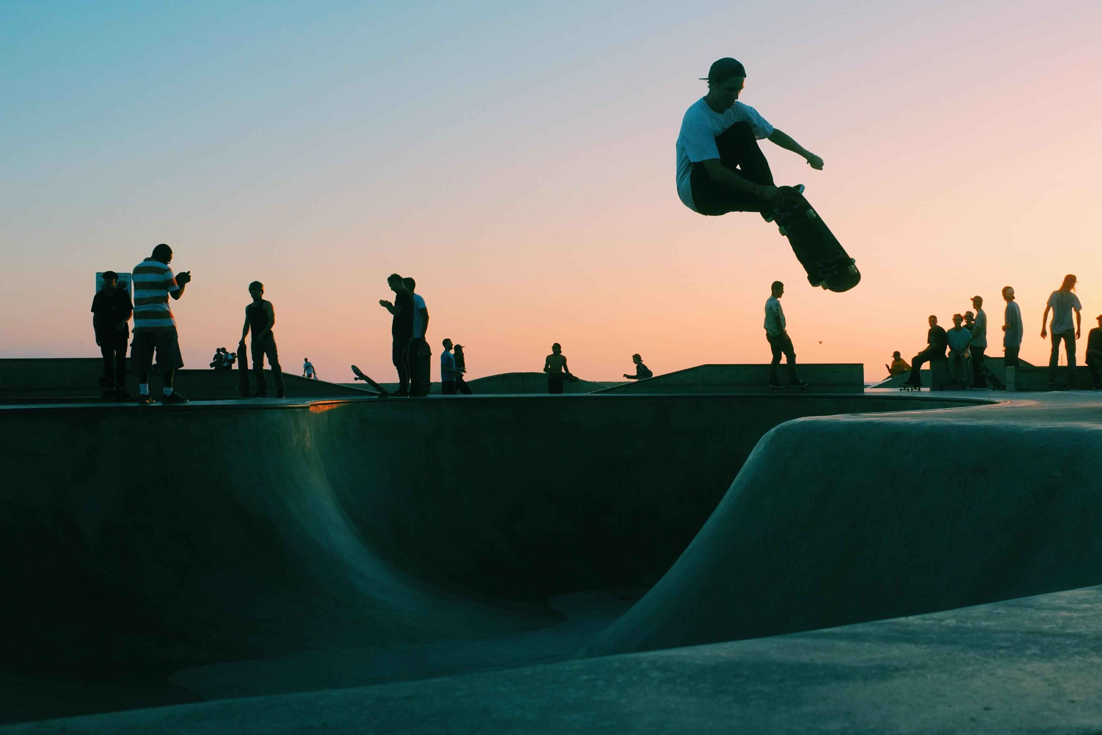 5403726 3548x2367 skate PNG images man skateboard venice 3548x2367