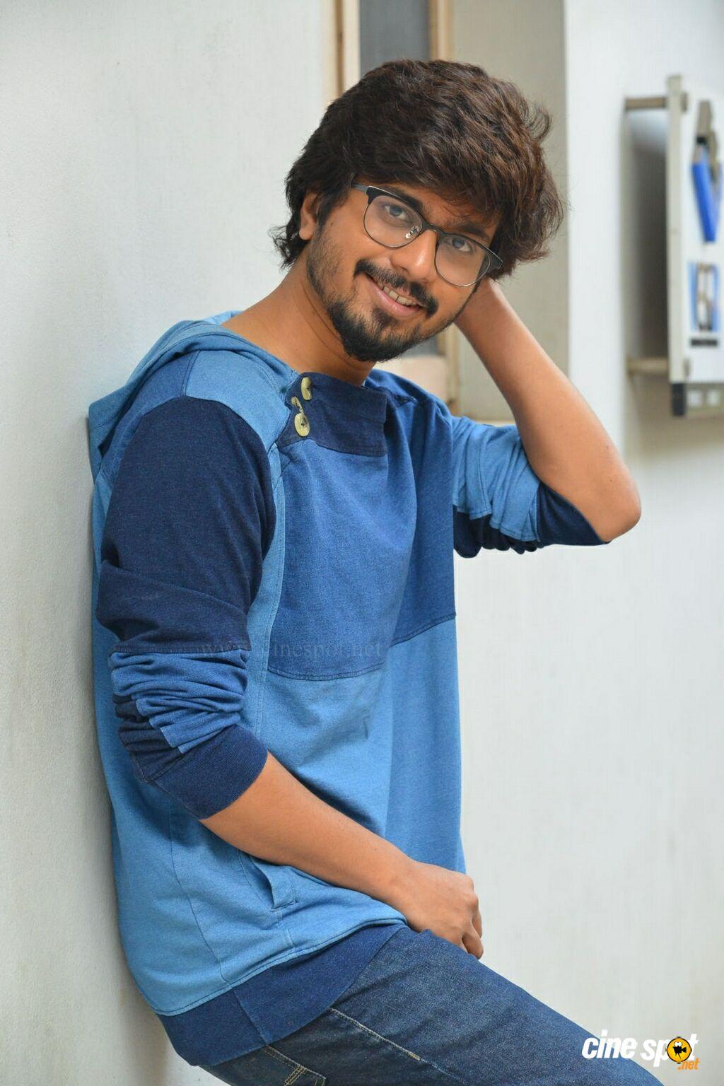 Husharu Hero Abhinav Interview Photos 17 1024x1536